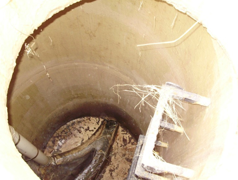 concrete mamhole protective coatings